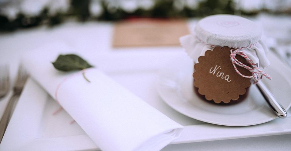 Tisch-Dekoration für ein Hochzeits-Event